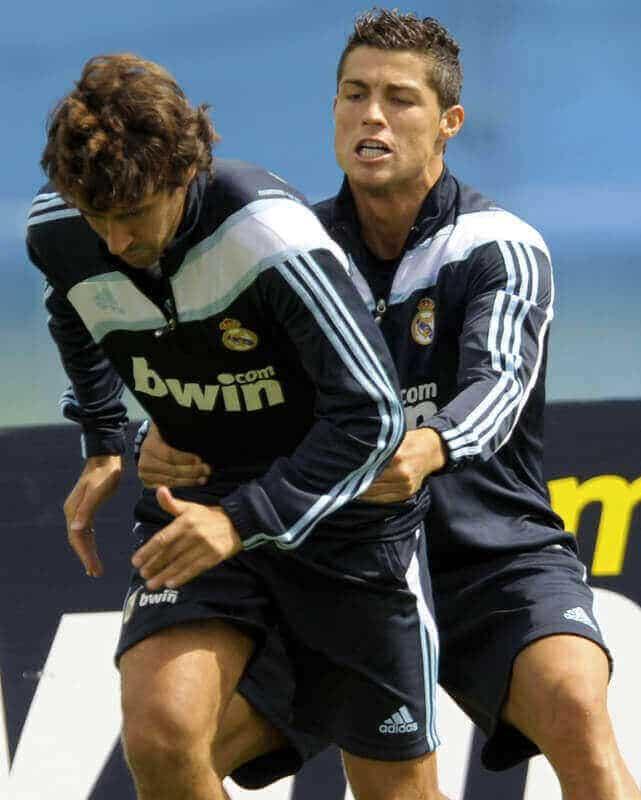 Cristiano-Ronaldo gay rihanna paris hilton homosexual