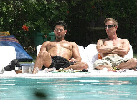 Jesse Metcalfe gay swimming pool boyfriend
