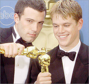 Matt Damon and Ben Affleck kissing gay couple award oscar